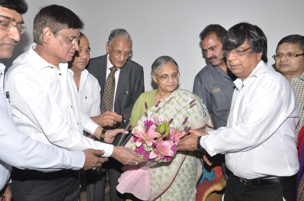 All-India-Vaish-Federation_Souvenir-Launch-2014-(3)